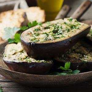 Pieczone bakłażany. 3 przepisy na udane obiady i ciepłe kolacje