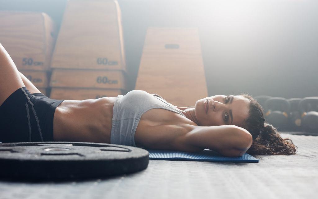 Rewers to doskonałe ćwiczenie na mięśnie brzucha.