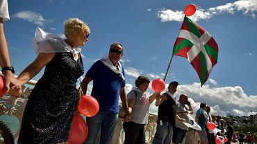 200-kilometrowy łańcuch ludzi - akcja baskijskich nacjonalistów domagających się prawa do decydowania o własnym losie. San Sebastian, 10 czerwca 2018 r.