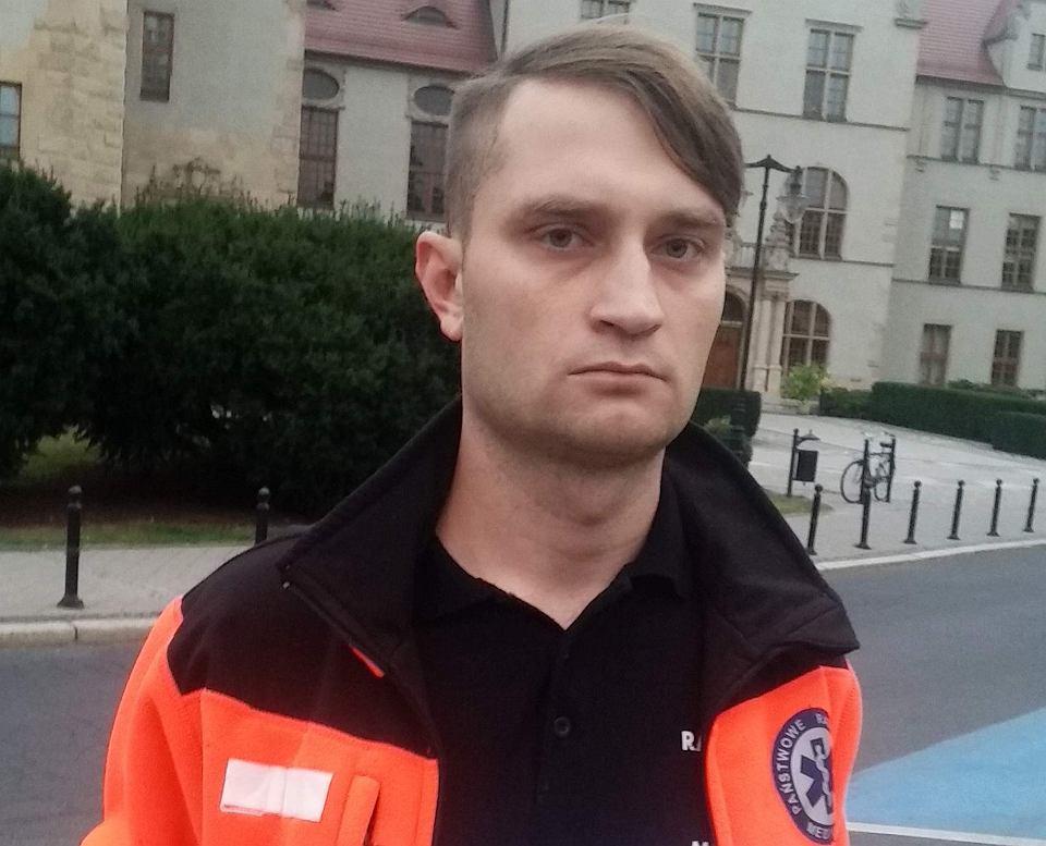 Paweł Osucha, ratownik medyczny z Poznania, poszukiwany listem gończym