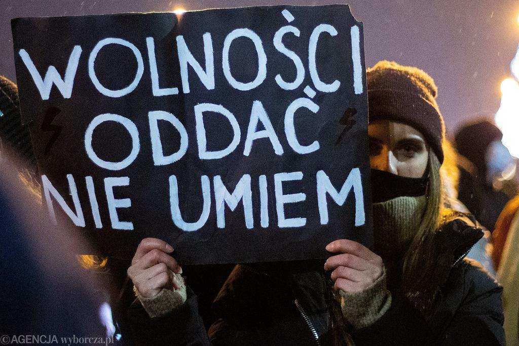 Strajk Kobiet po publikacji wyroku TK ws. aborcji. (Kraków, 27.01)