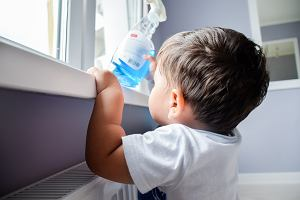 Uwaga na popularne środki do czyszczenia. Mogą powodować astmę u dzieci