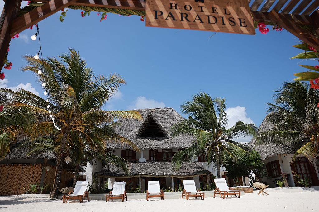 'Hotel Paradise 3'