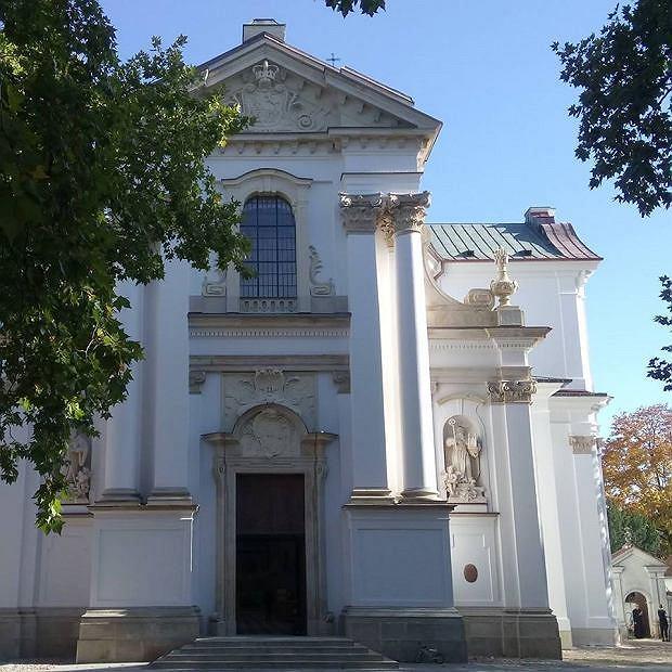 Kościół w Lesie Bielańskim w Warszawie
