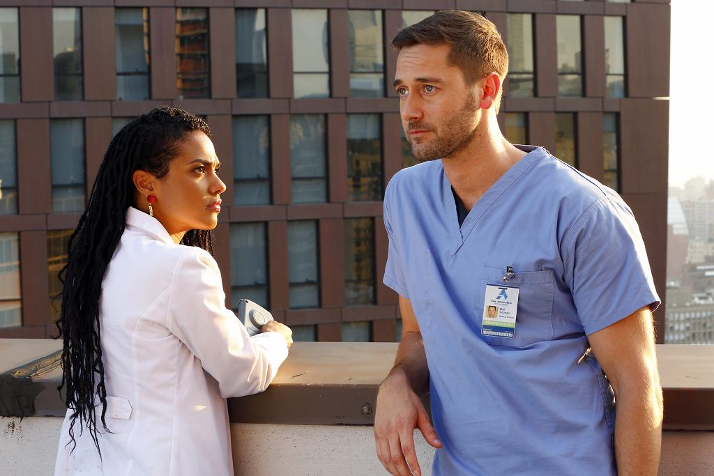 'New Amsterdam': dyrektor medyczny Max Goodwin i onkolożka Helen Sharpe