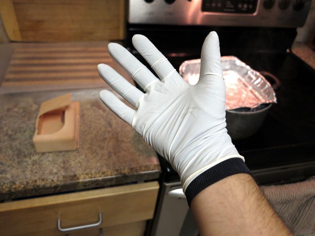 Rękawiczki jednorazowe obowiązkowe