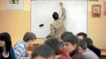 Nauczyciele z Rybnika uważają, że złotówka dodatku motywacyjnego to 'jałmużna'
