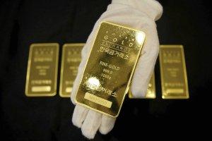 Złoto najtańsze od ponad 5 lat. Winny dolar?