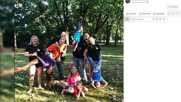 Katie Greer Blackmer mieszka z byłym mężem, jego partnerką i ich dwójką dzieci.