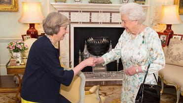 Królowa Elżbieta i brytyjska premier Theresa May