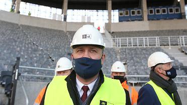 Prezydent Szczecina Piotr Krzystek na budowie stadionu miejskiego