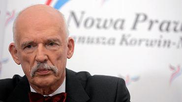 Janusz Korwin Mikke coraz skuteczniej uwodzi młodych Polaków