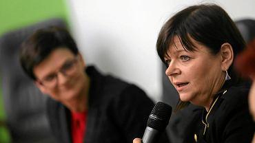 Częstochowa, 21 lutego 2017 r. Posłanka Platformy Obywatelskiej Izabela Leszczyna na spotkaniu z byłą minister edukacji Krystyną Szumilas