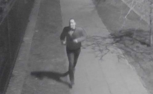 Atak nożownika na Mokotowie. Policja prosi o pomoc w poszukiwaniach