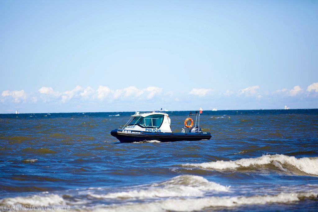 Gdańsk Brzeźno. Akcja ratunkowa na plaży