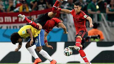 <b>W meczu Brazylii z Meksykiem nie padł choćby jeden gol, ale w meczu było pełno emocji i dobrze widać to na zdjęciach.</b><br> Willian, Marco Fabian i Hector Moreno