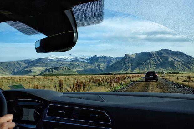Szutrowe drogi to na Islandii częsty widok