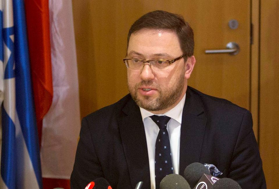 Wiceminister MSZ Bartosz Cichocki podczas konferencji w Jerozolimie, 1 marca 2018.
