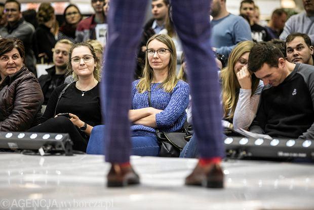 Zdjęcie numer 25 w galerii - Wizażyści, cukiernicy, pokazy mody i konkursy. Pierwszy dzień targów ślubnych Ona & On [ZDJĘCIA]