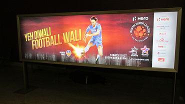 Bilboard reklamujący ILS w Goa