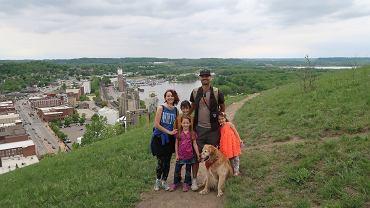 Anita z mężem oraz dziećmi - Kajem, Mają i Nel