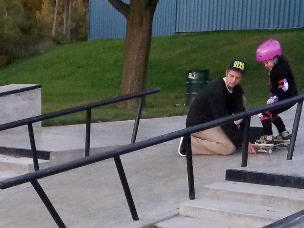 Jak widać, nie każdy nastolatek w skateparku jest zły