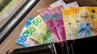 Frankowicze z problemami. Raty kredytów we frankach niemal najwyższe w historii
