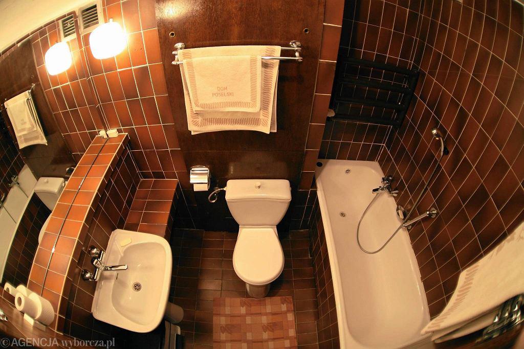 Toaleta w hotelu poselskim