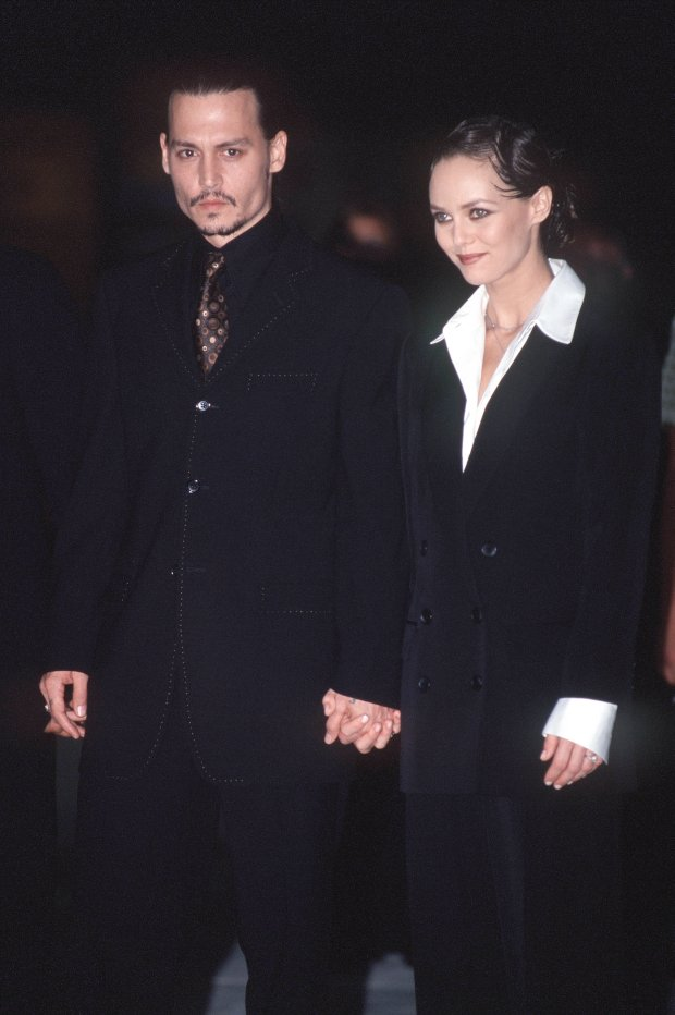 X 134448-18 Johnny Depp and Vanessa Paradis. Obligatory Credit - CAMERA PRESS/Theodore Wood. American actor Johnny Depp is accompanied by his girlfriend, Vanessa Paradis, to the 2001 Venice Film Festival.