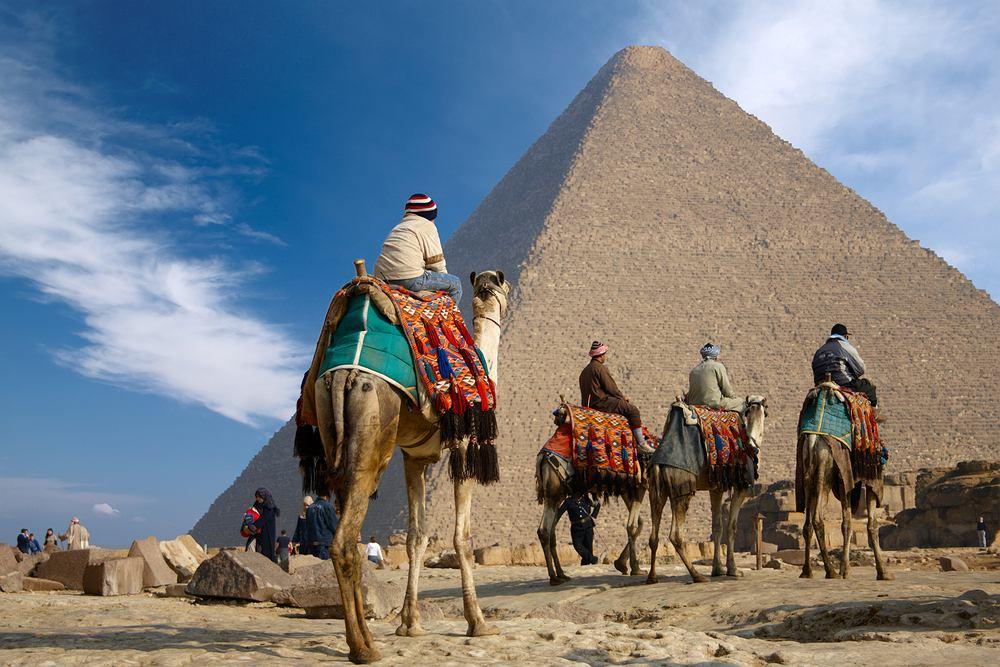 Egipt Giza - piramida Cheopsa