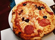 Pizza z ulubionymi dodatkami - ugotuj
