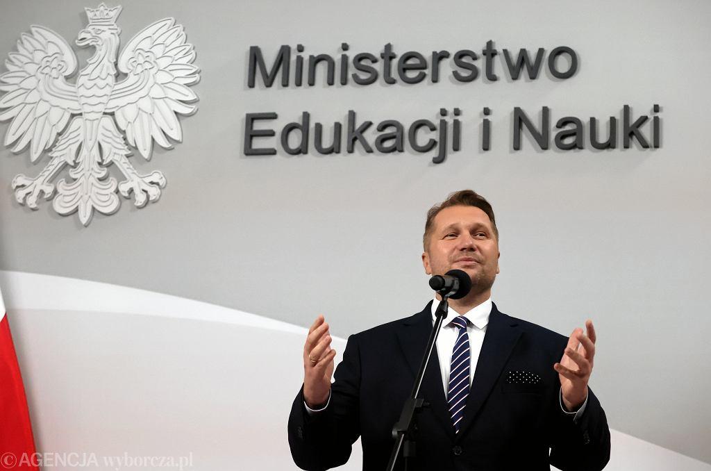 Minister edukacji w rządzie PiS Przemysław Czarnek podczas konferencji w resorcie. Warszawa, 27 sierpnia 2021