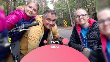 Bartosz Raj z córkami