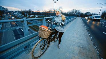 Marta Sztafarek dojeżdża na rowerze nawet w zimie