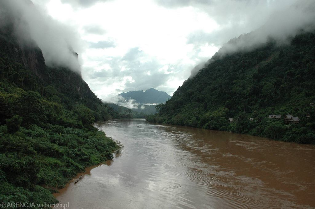 Laos, Mekong w 2007 roku.