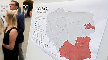 Konferencja prasowa w Warszawie w sprawie uchylenia uchwał anty - LGBT