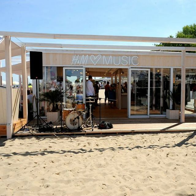 Outletowy pop - up store H&M w Sopocie