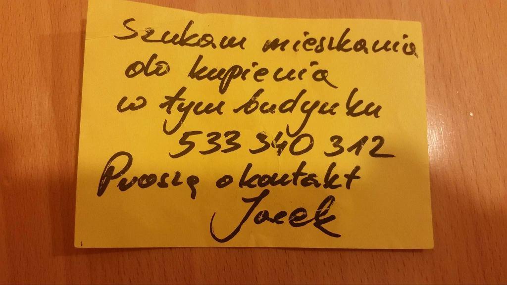 Ogłoszenie, które znalazło się w skrzynkach pocztowych budynku przy ul. Promenada.