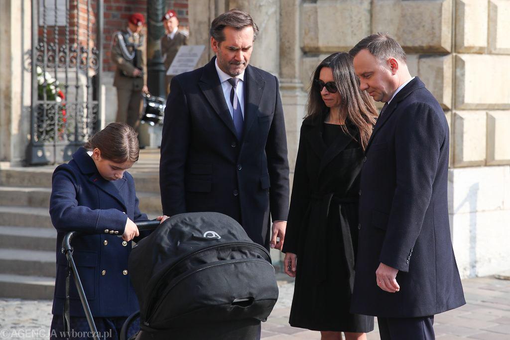 Prezydent Andrzej Duda po wizycie na Wawelu