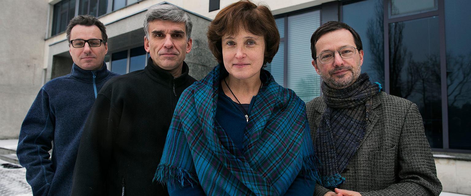 Pomysłodawcy Bednarskiej Szkoły Realnej, od lewej: Filip Haka, Janusz Fiett, Dorota Fiett (dyrektor), Jan Wróbel  (fot. Agata Grzybowska)