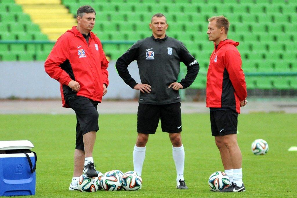 Lech Poznań trenuje na Stadionie Olimpijskim w Sarajewie przed meczem z FK Sarajevo. Trener Maciej Skorża, Dariusz Żuraw i Tomasz Rząsa