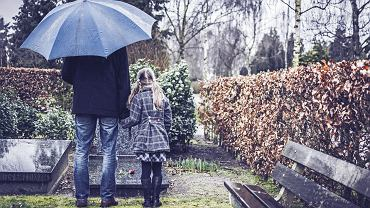 Jak rozmawiać z dzieckiem o śmierci? Przede wszystkim zwróćcie uwagę, czy w ogóle jest na taką rozmowę gotowe.