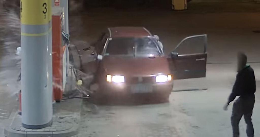 Policja z Pruszcza Gdańskiego poszukuje złodziei paliwa