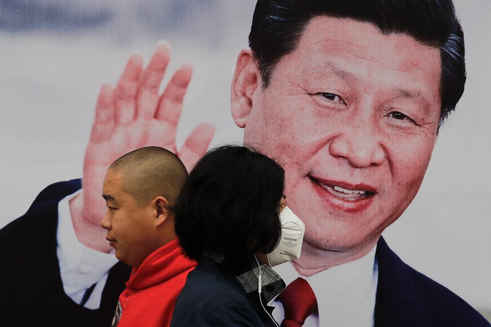Plakat przedstawiający Xi Jinpinga