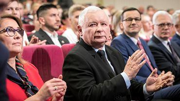 Koszmar Kaczy�skiego si� spe�ni�. PiS-owi wyros�a prawicowa konkurencja