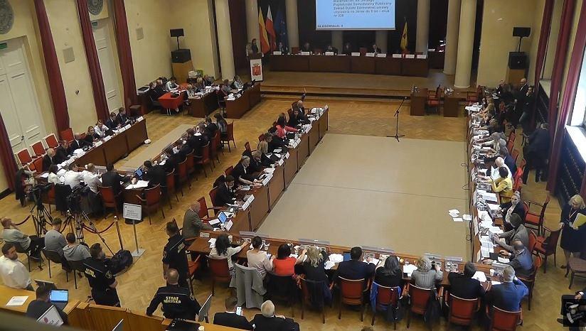 Rada Warszawy podczas obrad 30 maja