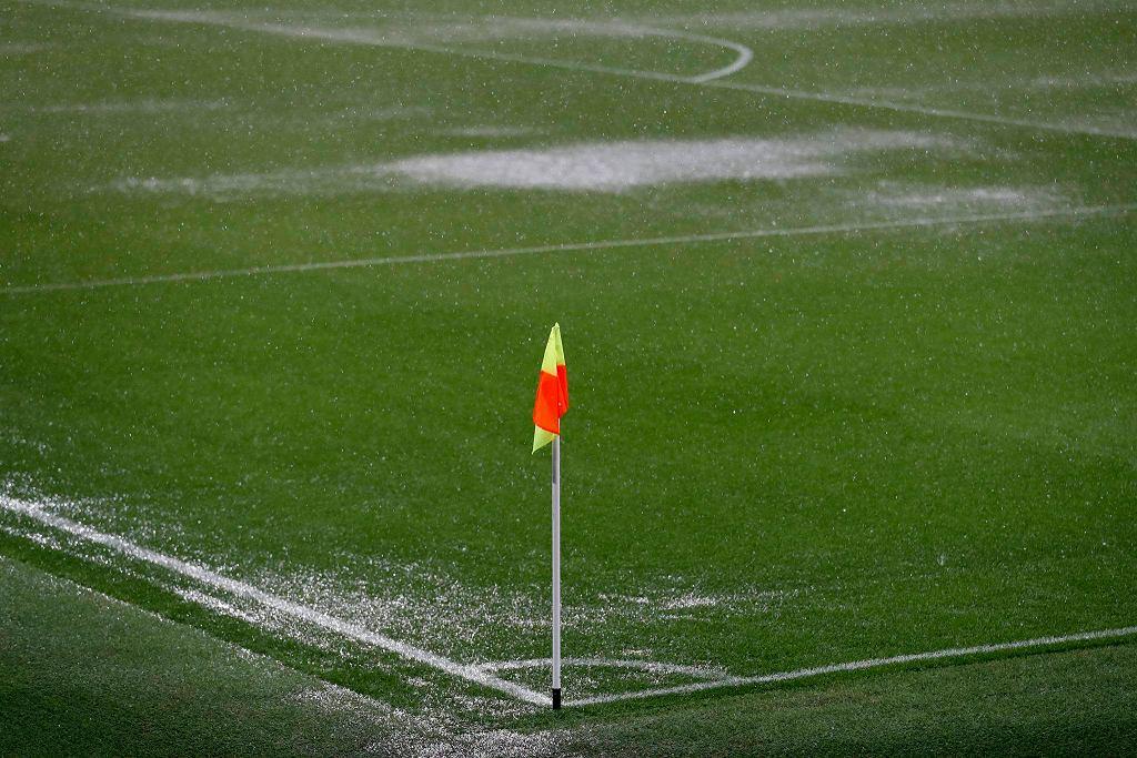 Kałuże na stadionie Manchesteru City
