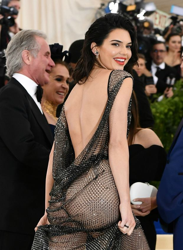 Kendall Jenner na gali MET 2017