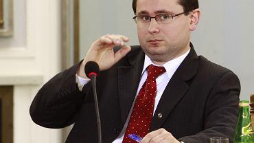 Prokurator Jarosław Duś podczas posiedzenia Sejmowej Komisji Śledczej ds. nacisków władz na śledztwa dotyczące polityków. Warszawa, 15 kwietnia 2009