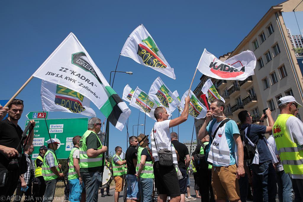 Protest górników z Jastrzębskiej Spółki Węglowej pod siedziba PiS w Warszawie
